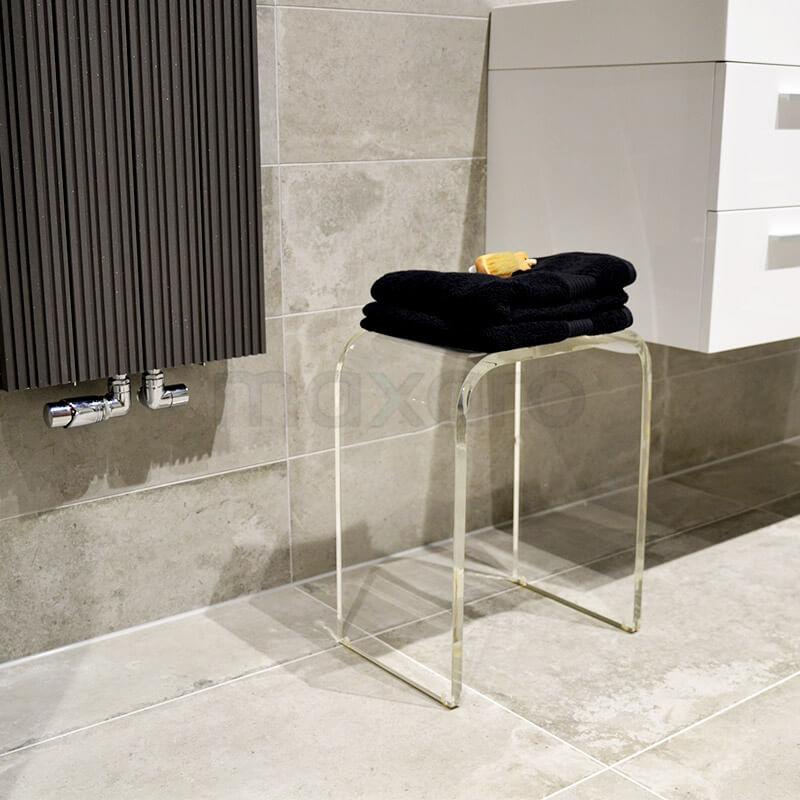 Betonlook tegels in badkamer met hout uitstraling | Maxaro