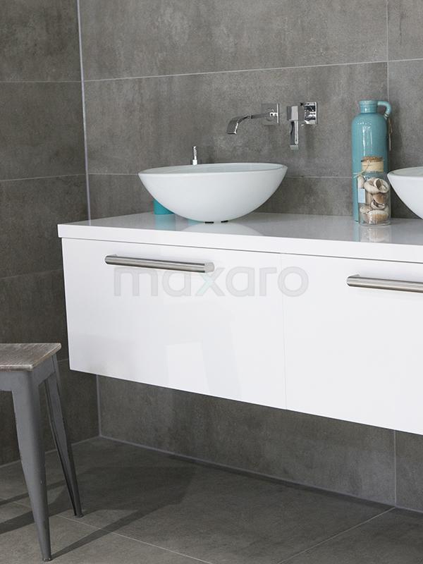 Groot formaat betonlook badkamer - Tegel inspiratie | Maxaro