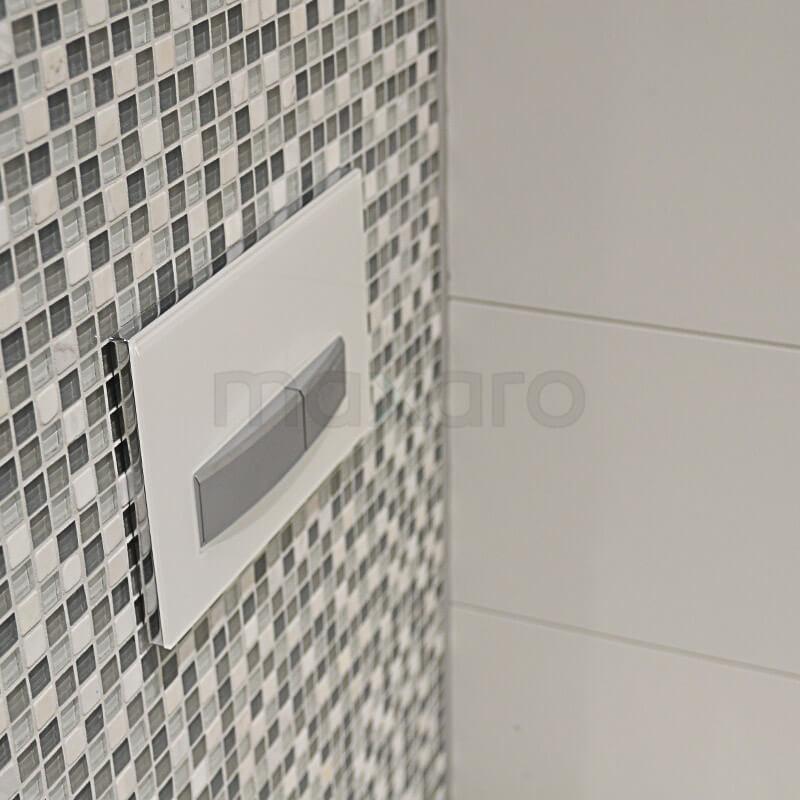Moza ek tegels in toilet en bruine toiletmeubel maxaro for Bruine tegels