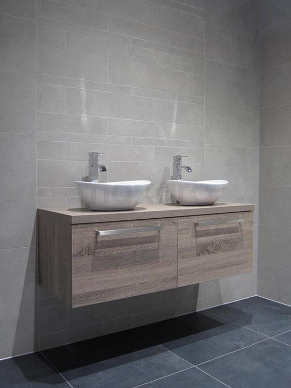 Uni & Stroken badkamer Tegel