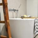 Natuursteen & hout badkamer